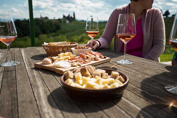 Bei der Weinverkostung in der P&F Winery, Foto © P&F Winery